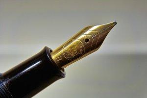 pen@200mm1ring.jpg