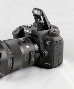 EOS-7d-Mark-II-_02_504x600.jpg