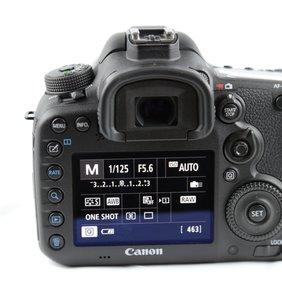 EOS-7d-Mark-II-_06_564x600.jpg