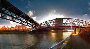Brücke durch Brücke.jpg