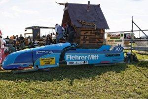 Teilnehmer am Moritzrennen auf der Fischbacher Kirmes.jpg