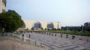 1Mini_Shanghai_DSC04378_2013.jpg