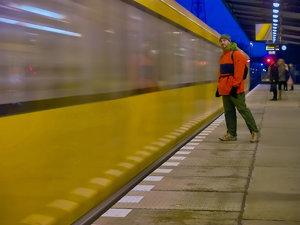 2011_11_19_Bln_U5_Bhf_Biesdorf_Sued_mit_Waldschrat_PIMG0011_VarA_1200pix.jpg