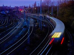 2011_11_25_X530_Bln_Ringbahn_KniprodeStr_PIMG0001_Farbe_1200x896pix.jpg