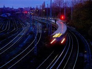 2011_11_25_X530_Bln_Ringbahn_KniprodeStr_PIMG0002_Farbe_1200x896pix.jpg
