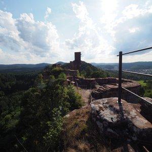 Burg Altdahn in Dahn
