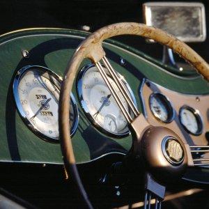 Bei Schloß Nordkirchen entdeckt: MG TD, Bj. 1950-53