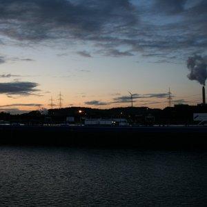 Sonnenuntergang mit Meteorit über Herne