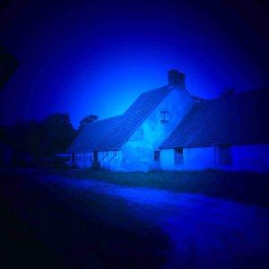 Gutshof bei Nacht