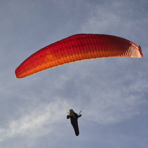 Gleitschirmflieger 2