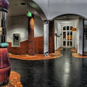 Hundertwasser-Bahnhof (Innenansicht mit 3D-Effekt)