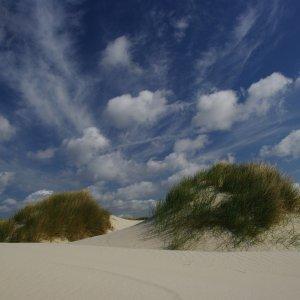 Wolkenhimmel über den Dünen
