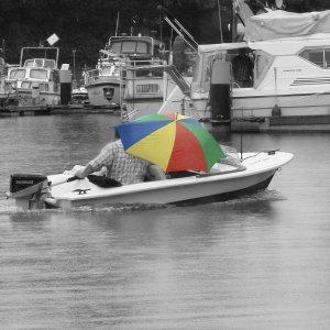 Bootfahrt bei Regen