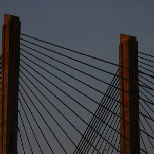 Brücke in der Dämmerung ..........