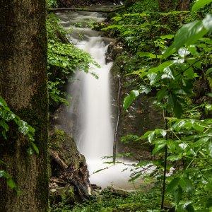 Heute mal den Wasserfall mit Dreifachbelichtung.