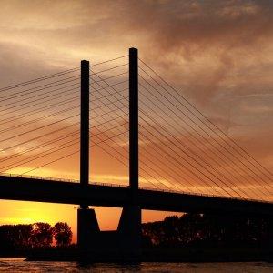 Brücke von Rees am Abend !!